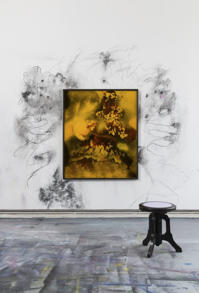 Bettina Scholz: Feuer, installation view, wall drawing, 2017